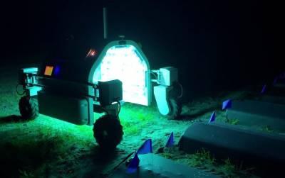 Роботы с ультрафиолетовыми лампами помогут виноградарям справиться с мучнистой росой