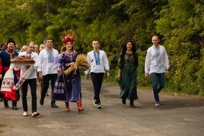 Як святкують закінчення жнив у Biligrain?