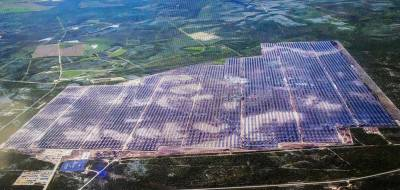 Град пошкодив фотобатареї ферми, що працювала на сонячній енергії