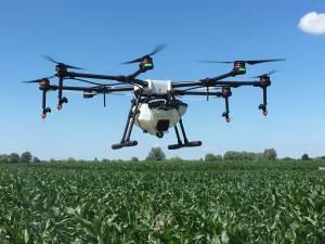 Опрыскивание — одно из самых перспективных направлений использования дронов