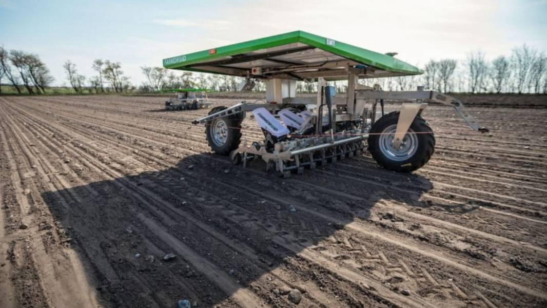 Точкове обприскування цукрового буряка — робот FarmDroid
