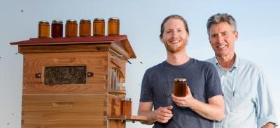 Австралийцы изобрели новые улья с краном для меда