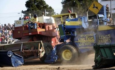 Дерби комбайнов: когда размеренная сельская жизнь превращается в ярость