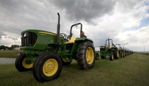 John Deere выделил $305 млн, чтобы научить свою технику различать сорняки и полезные культуры