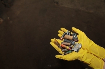 Плодородные батарейки. Кто и зачем делает из них удобрения?