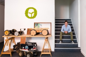 Создатель роботов для прополки рассказал, как они меняют сельское хозяйство Европы