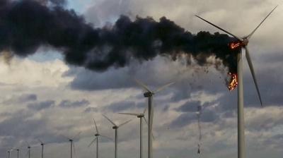 """Вечернее чтиво: """"Зеленые"""" тарифы — деньги на ветер"""