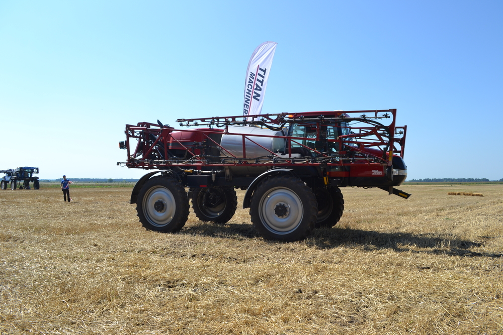 Case IH Patriot SPX 3330